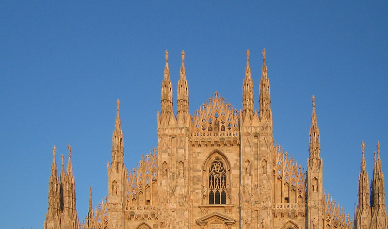 Duomo di Milano - front top