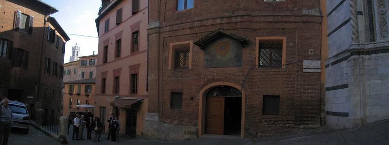 Siena street scene [3-shot panorama]
