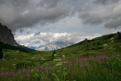 D_002 Passo  Falzarego zicht richting Cortina
