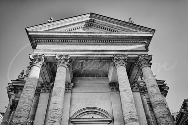 Roma Pillars