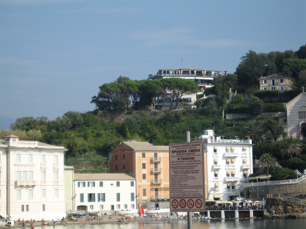 Hotel Vis a' Vis as view from the Bay of Silence in Sestri