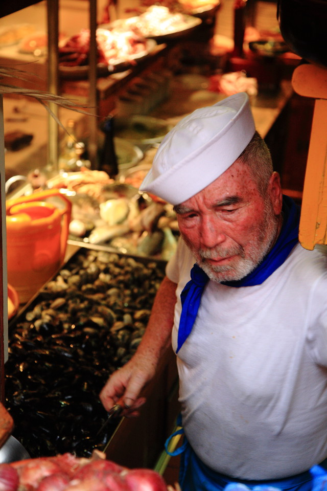 Chef cooks up tasty things from the sea.