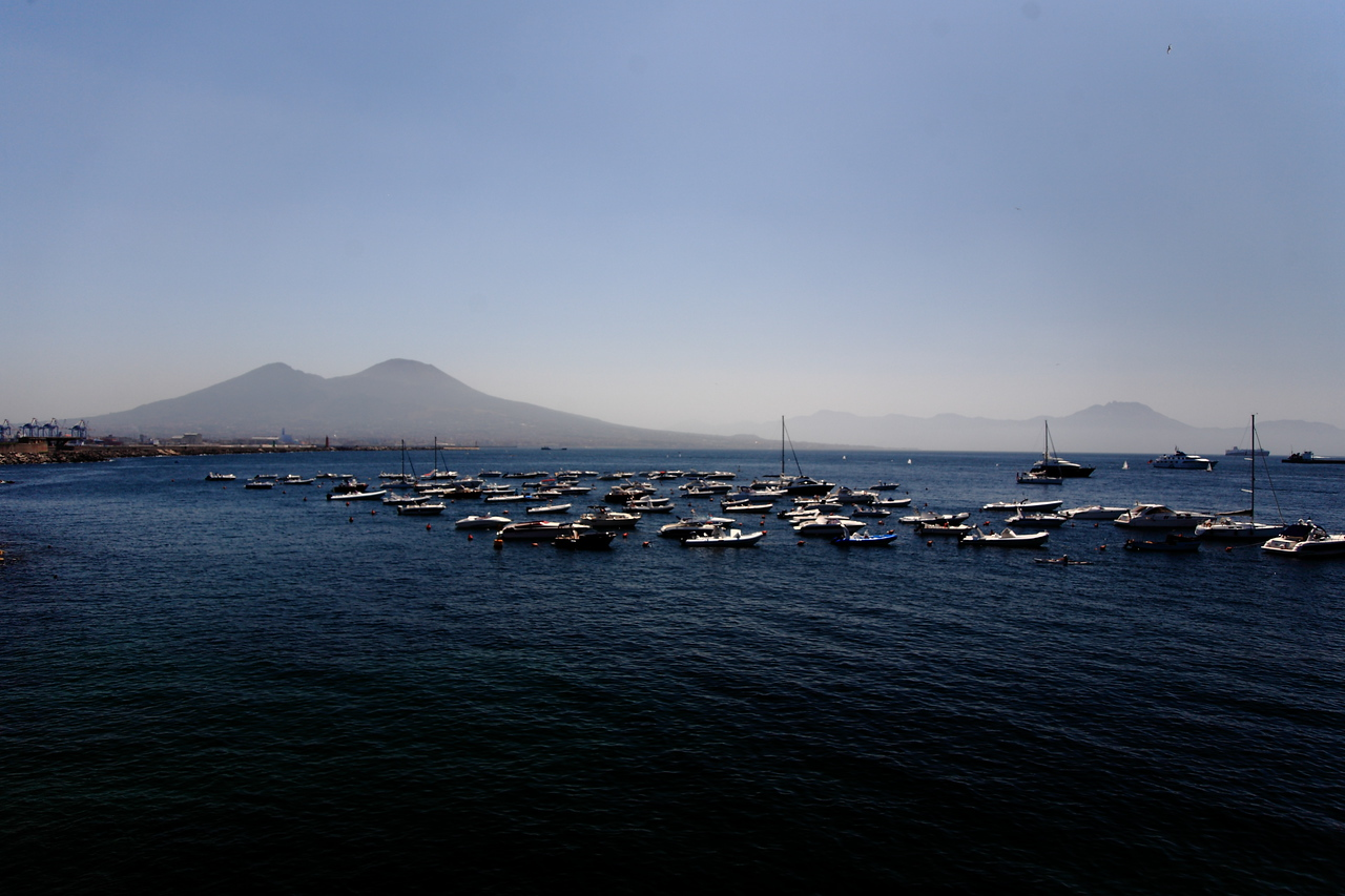 Mt. Vesuvius is the two peaks on the left.