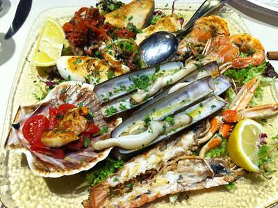 Scoop o' the ocean dinner in Monterosso.