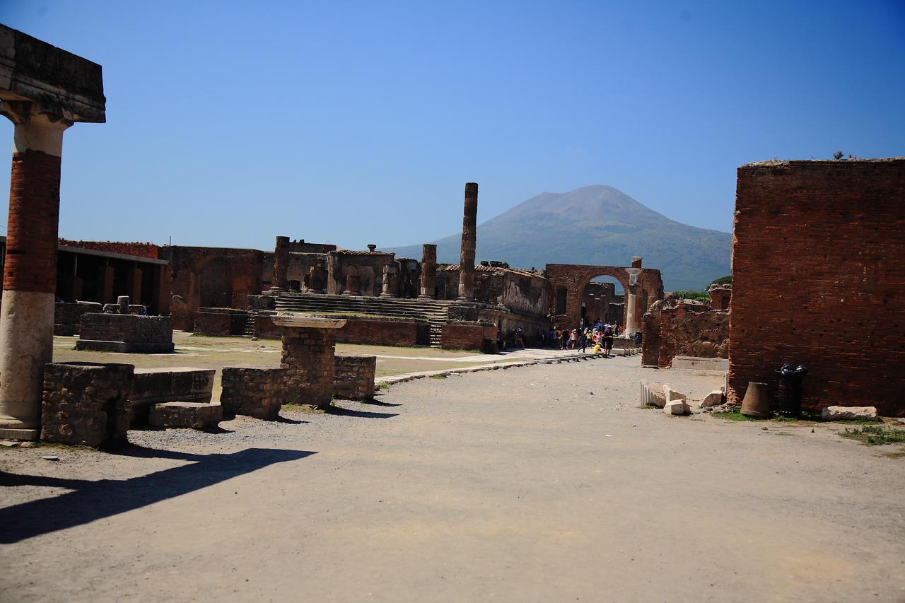 Mt Vesuvius looms in the distance.