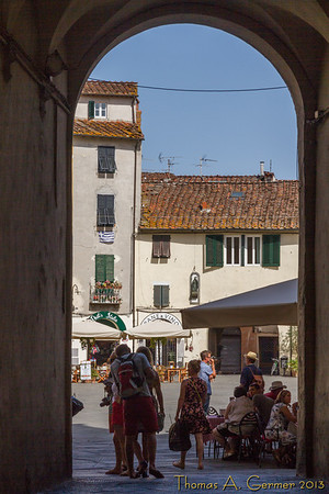 Entrance to Piazza Anfiteatro in Lucca