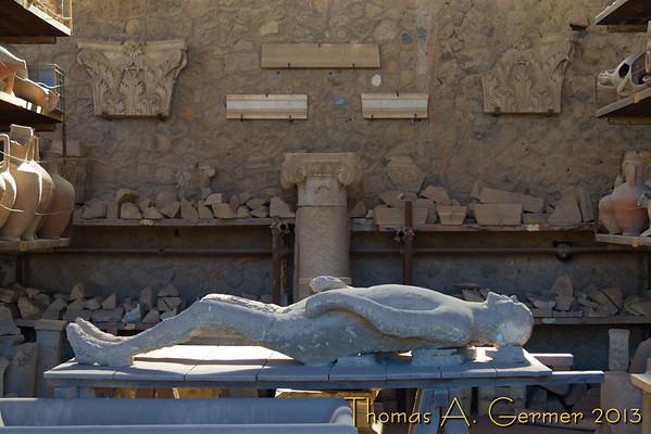 Plaster cast of Pompeii victum