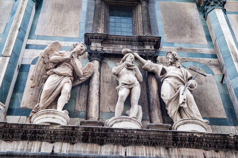 Statuary on Duomo Bapistry