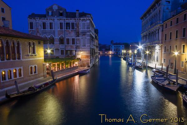 Night scene in Venice.