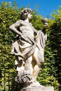 Linderhof Statue 9