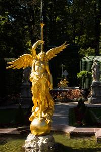 Linderhof Statue 4