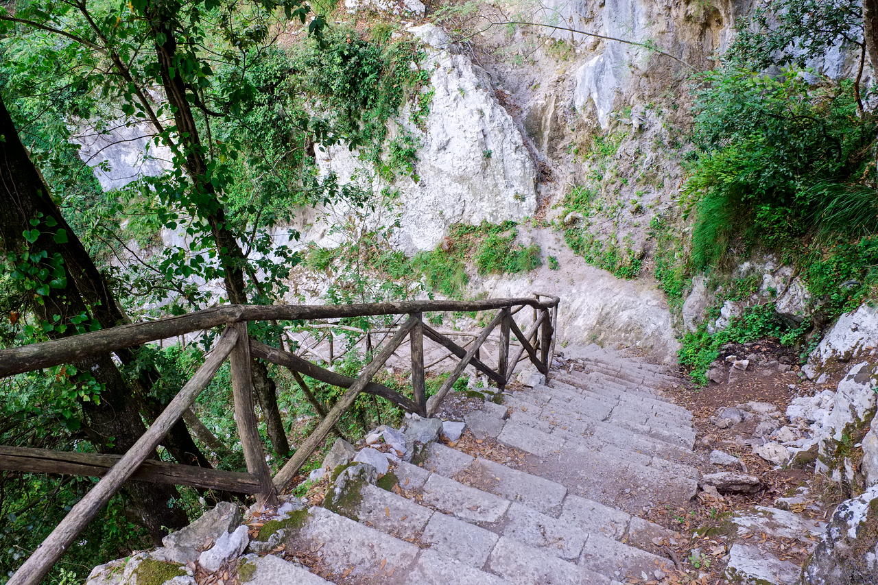 Stairs down to Amalfi.