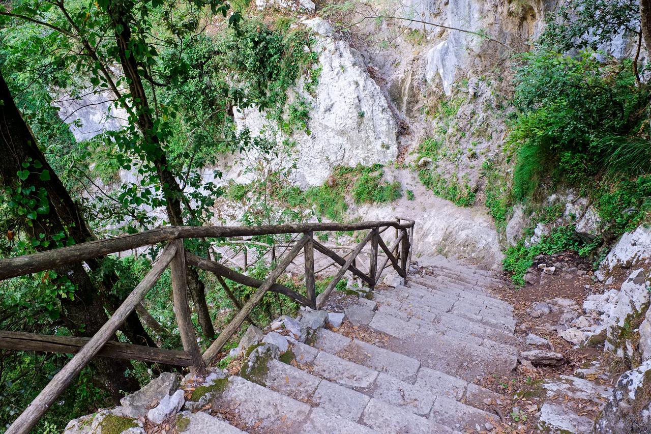 Stairs down to Amalfi.