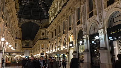 Shopping mall, Milan