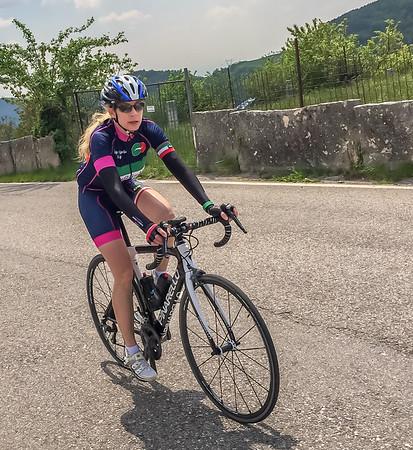 Calla climbing toward Fosse