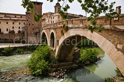 Ponte Fabricio on the Tiber