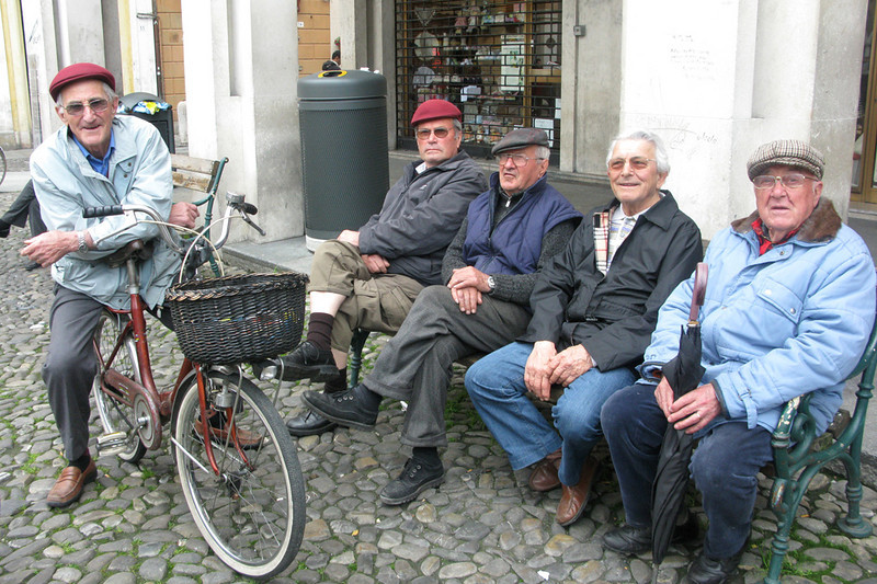 Italian nonni. Love the guy on the bike.