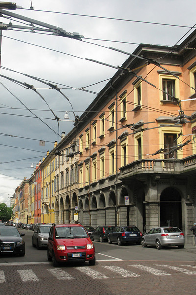 Electric wires for Modena's local buses