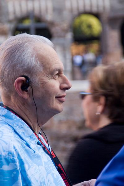David listens to Francesco.