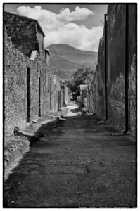 Pompeii alley way