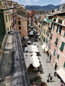Via Roma in Vernazza - the upper main street from the train station