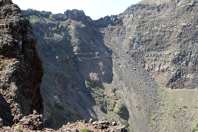 Vesuvius - View into the crater - note the 'small' people standing on the crater rim in the distance.