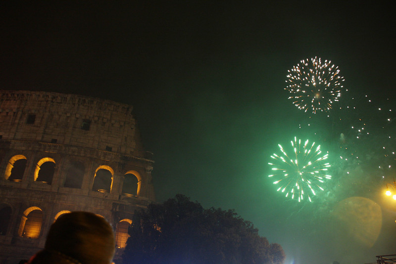 Midnight fireworks at the Colosseum...really wish that head wasn't in there, Yeah, I know I could use Adobe & edit it out, but I think pictures ought to be what you actually saw as opposed to what you wish you'd seen
