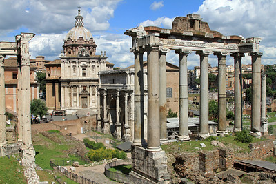 Roman Forum, with Temple of Saturn (columns foreground), Arch of Septimus Severus (centre), and Chiesa dei Santi Luca e Martina behind.