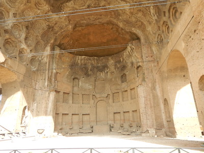 Basilica of Maxentius - Emperor's seat