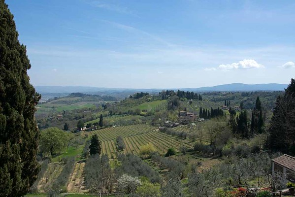 Tuscan countryside, San Gimignano, 15 April 2015