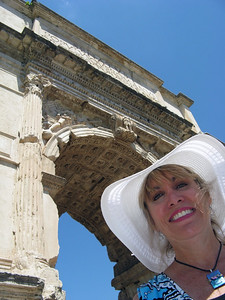 Lisa with the Arch of Titus (82 AD)