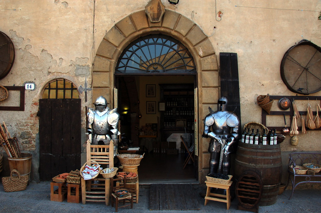 Craft shop in Monteriggioni