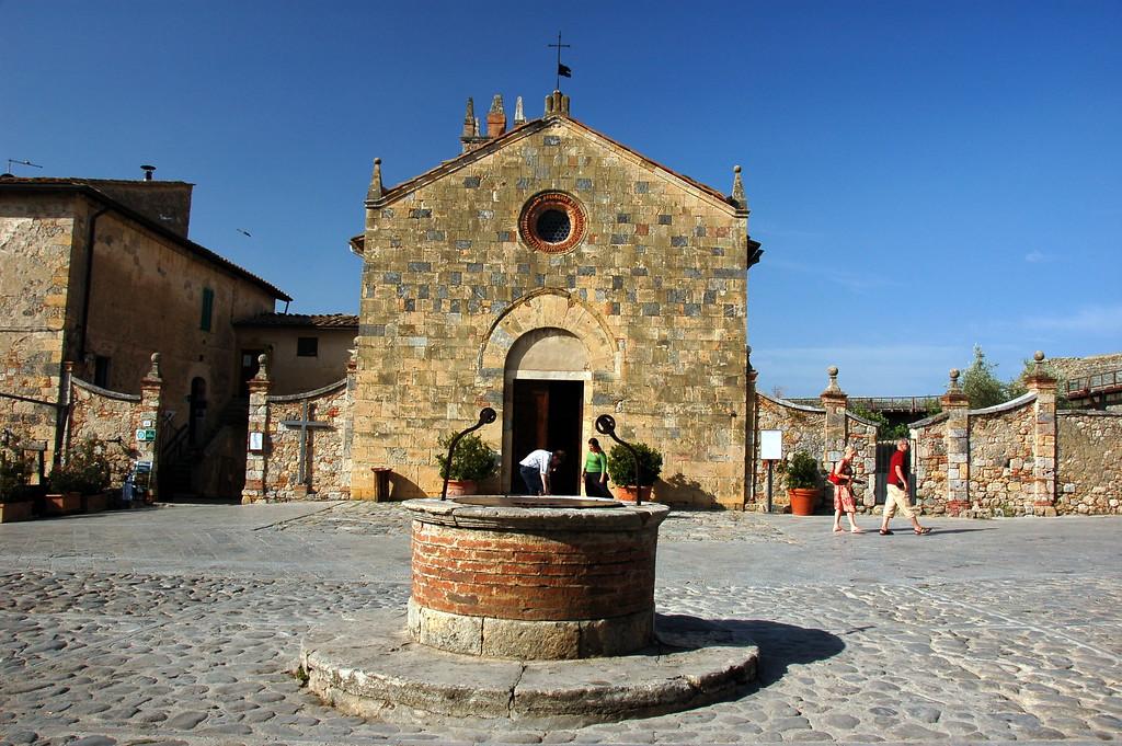 Main piazza in Monteriggioni
