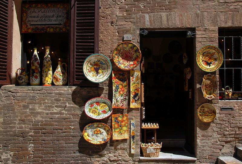Tuscan ware, Siena