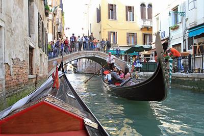 Passing gondolas...