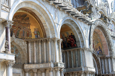The exterior arches of Basilica di San Marco.