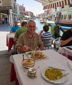 Pasta con vongole and a glass of Valpolicella in Murano