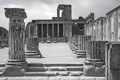 The Court House in Pompeii copy