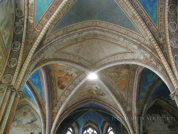 Basilica di Santa Francesco; interior details and frescoes