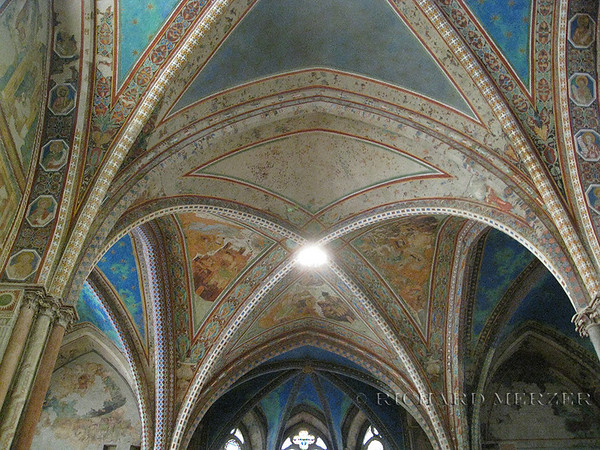 Basilica di Santa Francesco; interior details and frescoes