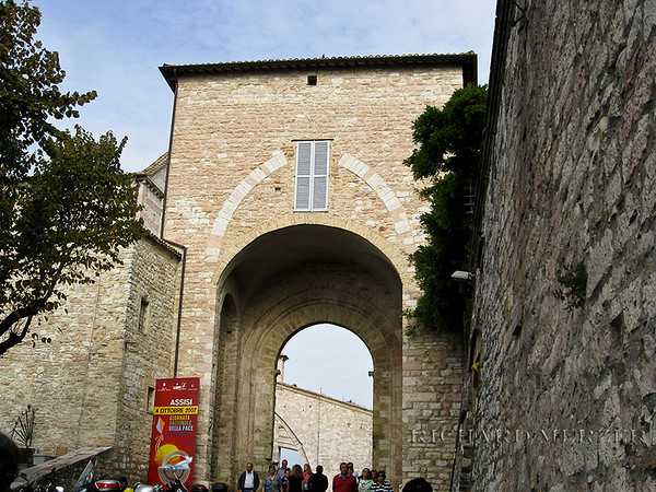 Entering Assisi