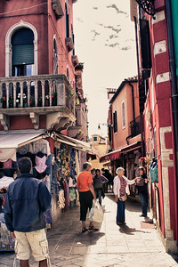Burano, Italy -- Photo by Stephanie Roberts, http://ObsessiveHobbyist.com