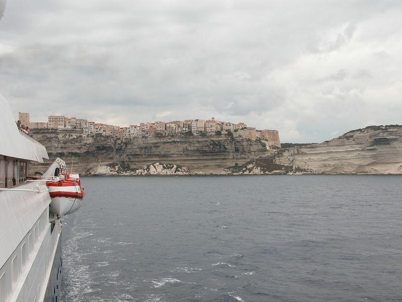 Entering Capri