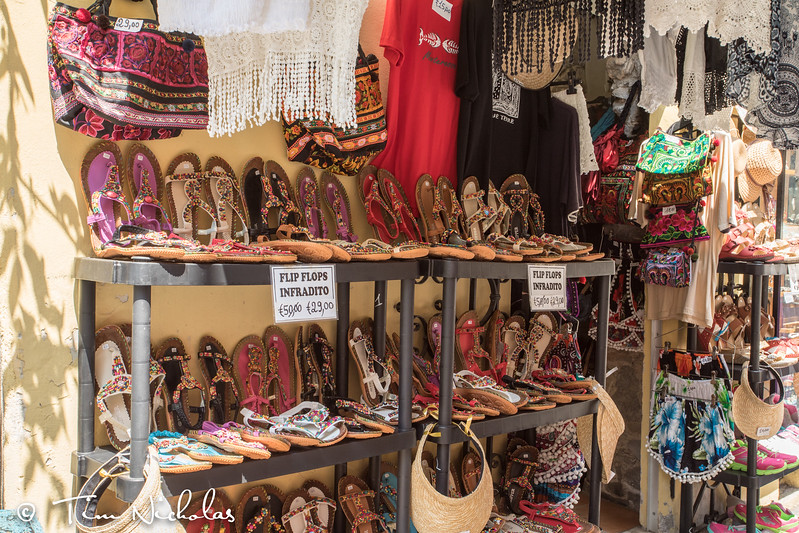 Shopping in the markets of Monterosso