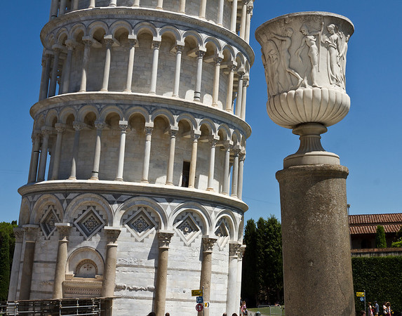 Torre Pendente - The Leaning Tower of Pisa