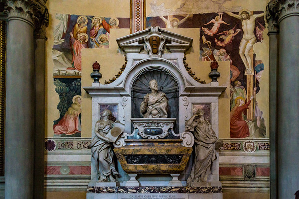 Tomb of Galileo, he died in 1642, an Inquisition at first refused to allow his burial on consecrated ground.