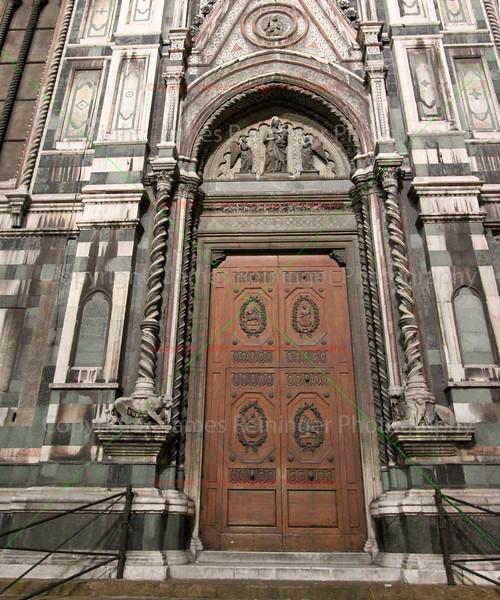 (Basilica di Santa Maria del Fiore) <br /> Piazza San Giovanni<br /> Florence, Italy