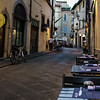 Ready for dinner; looking east down Borgo degli Albizi
