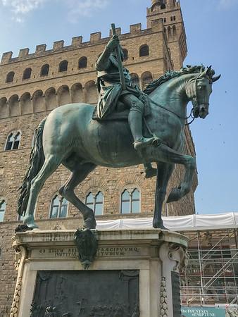 Equestrian Monument of Cosimo I (Statua equestre di Cosimo)