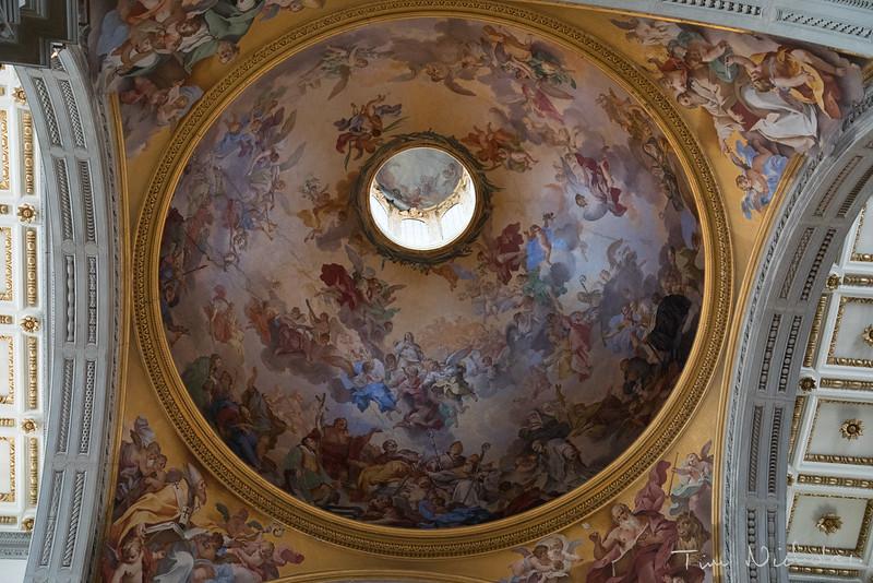 Fresco paintings inside the dome of the Basilica di San Lorenzo
